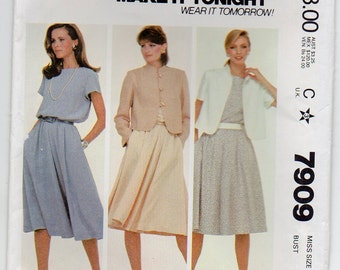 Unlined Jacket Released Shoulder Tucks Mandarin Collar Pullover Dress Button Back Neck Opening Size 14 Sewing Pattern 1982 McCall's 7909