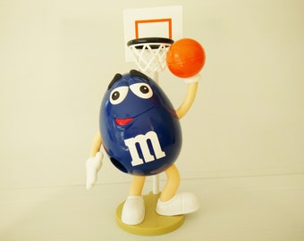 M&M blue basketball player candy dispenser, basketball ball basket, Toys, Collectors toys,  m and m candy dispenser,  promotional toys,