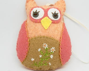 Owl Ornament, Owl Car Charm, Felt Owl Ornament, Hand Embroidery, One of a Kind Wool Felt Owl, Owl Decoration, Owl gift