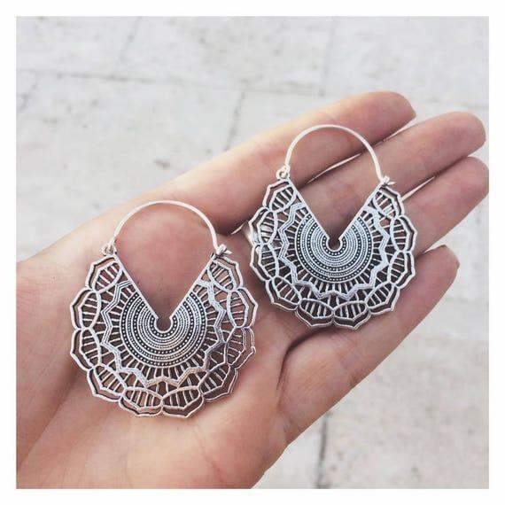 TRIBAL MANDALA EARRINGS - Indian earrings - Ethnic jewelry - Tribal jewelry - Silver - Sacred Geometry - Lotus - Flower of life