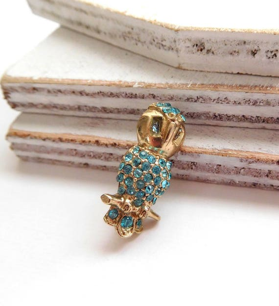 Vintage Small Turquoise Blue Rhinestone Gold Tone Owl Brooch Pin P47