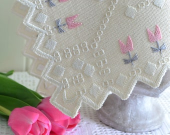 "Dainty tablerunner, vintage Swedish pink, grey and white Hardanger embroidery , 16 "" x 10 """