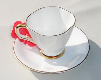 Solid White & Gold Lined Royal Victoria Bone China Tea Cup And Saucer - Made In England
