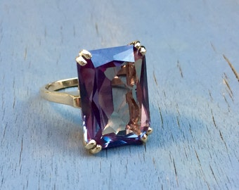 Gold Alexandrite Ring 10k Color Change Stone Teal to Purple Vintage Cocktail Statement Ring 1960s Jewelry Gift for Her