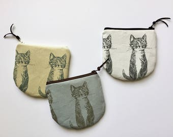 Cat Coin Pouch, Round Coin purse, Small Zipper Pouch, Change Purse, Cat Wallet, Cats lover