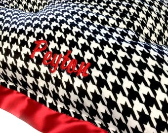Dog Crate Mat Black and White Houndstooth Minky with Red minky and Flat Red Satin Trim Pet Bed Xlarge