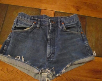 Wrangler vtg CUTOFF JEAN SHORTS Cut Off W 29 Measured Hot Pants High Waisted
