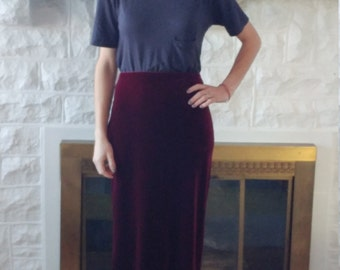 Velvet vintage maroon pencil skirt size: Small