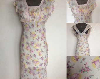 1930's Novelty Print - A Walk in the Garden Batiste Night Gown -M
