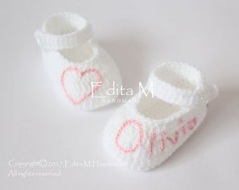 Personalized baby shoes, crochet baby shoes, baby girl booties, hand embroidered name, Mary Janes, baby shower, announcement, 0-3,3-6 months