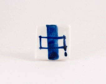 Handpainted Blue and white - Delft blue porcelain square ring with simple, abstract decor