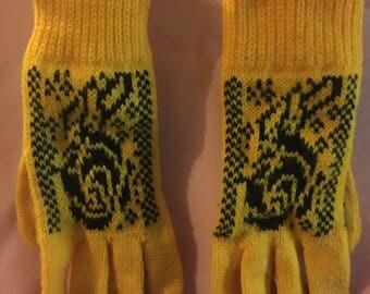 Warm patterns mittens