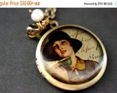 VALENTINE SALE Elegant Woman Necklace. Vintage Woman Locket Necklace. Bronze Necklace with Glass Teardrop and Pearl. Bronze Locket. Handmade
