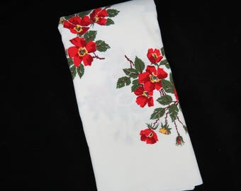 Vintage Tablecloth - Wild Rose Tablecloth - Red Orange Rose Tablecloth - 1950s Tablecloth - Glamper Glamping - Free Shipping - 5MTT17