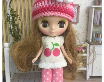 """Petite Blythe / Little Dal Outfit : """"I Love Cherry Set"""" (Top, Pant and Hat)"""