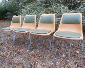 Free Shipping! Set of 4 Krueger Green Bay Chairs Mid Century Orange and Green Stackable Chrome