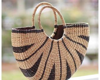 straw tote// straw bag// straw handbag// straw basket purse// market bag// beach bag// (Tribal tote-black/natural)