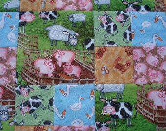 Farm Animals Nursery Quilt, Baby room decor, baby boy, baby girl, baby bedding, crib quilt, baby blanket, cows, chickens, ducks, sheep, pigs