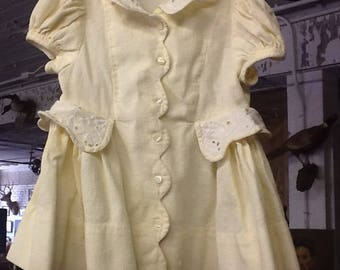 1940's Adorable Yellow Dress