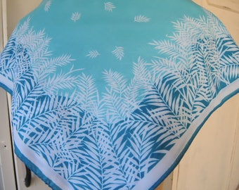 Vintage 1970s polyester scarf blue and white abstract leaves disco era  21 x 22 inches