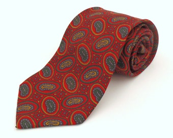 Vintage 1960s Skinny Red Tie with Oval Paisley