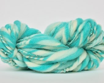 Thick and Thin Melange  Hand Spun  Super Bulky  Wool  TTY  Big  Blue Raspberry  / White  Color