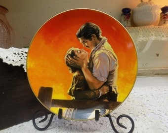Vintage Gone with the Wind Collector Plate Fiery Embrace from The Passions of Scarlett O'Hara Bradford Exchange M02