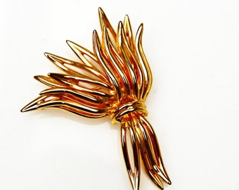 Wheat leaf Brooch  - Signed  Marvella - Gold tone - mid century pin