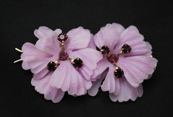 Purple flower Hair Clip-  Barrette - Vintage Plastic  - Rhinestone floral hair pin