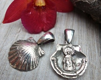 Sterling silver scallop shell simbol, Santiago de Compostela. Double sided.