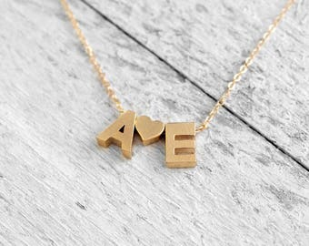 LOVE intitials necklace with initials and heart | gold