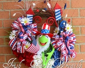SALE - Kermit the Frog Muppet Patriotic Wreath - Muppet 4th July Wreath, Summer Wreath, Patriotic Decor, Door wreath, floral wreath