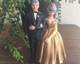 "Bride & Groom Cake Topper / Vintage Plastic cake topper Bride and Groom 3.5"" tall Very good condition"