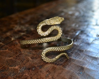 VTG 80's 90's India Cleopatra Snake Cobra embossed etched brass patina gypsy Bangle arm cuff adjustable bracelet