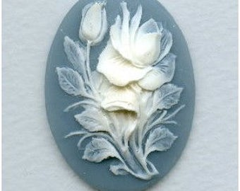 Gorgeous Cameo,  White Rose on Blue  Background, 40x30mm Oval Resin, Striking Cameo  X1