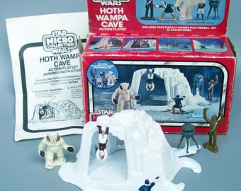 Vintage Star Wars ESB Hoth Wampa Cave Micro Collection Action Set With Box
