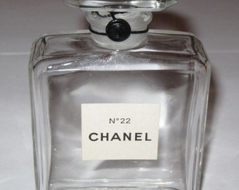DECO Vintage 1960s CHANEL No.22 PARIS French Crystal Glass Perfume Bottle Made in France Modernist Minimalist Mod Couture Designer Classic