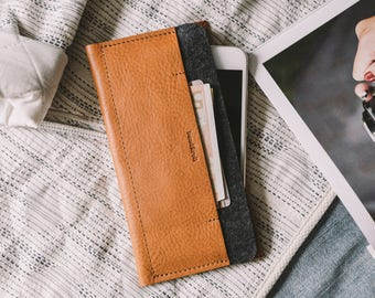 "iPhone 7 Case, iPhone 7 Sleeve, iPhone 7 Wallet, leather, wool felt, ""Carrier"", suits iPhone 6, iPhone 6S, by band&roll"