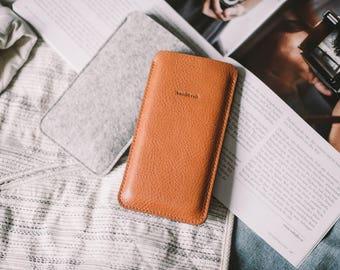 "LG G6 Sleeve, LG G6 Case, LG G6 Pouch, leather, wool felt ""Dandy"", by band&roll"