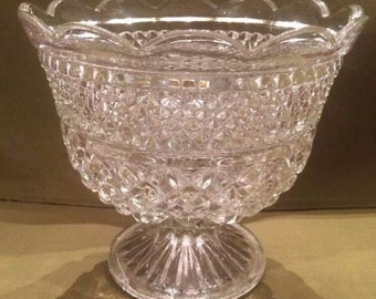 Vintage Wexford Scalloped Edge Footed Trifle Bowl Diamond Point Pressed Glass