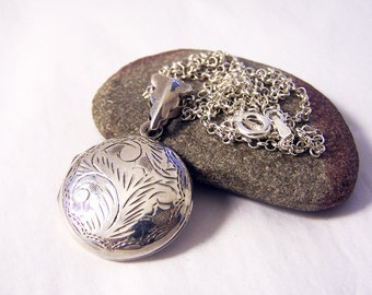Vintage Sterling Silver Locket Necklace, Engraved Silver Locket, Round Locket Necklace, 20 Inch Chain