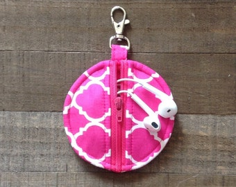 Fuchsia and White Quatrefoil Circle Zip Earbud Pouch Coin Purse Holder Case Hot Pink Lip Balm