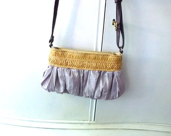 purple fiber bag with straw edge