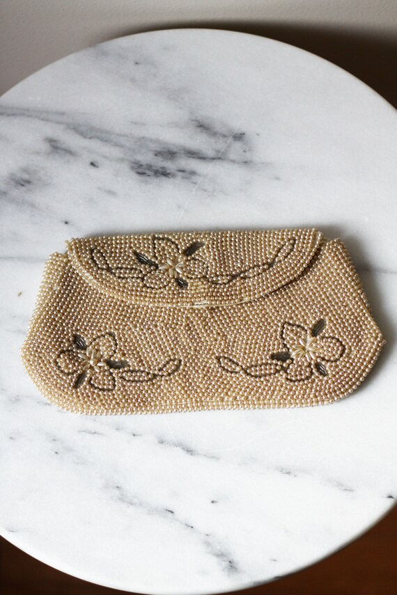 1950s floral beaded clutch // wedding clutch // vintage purse