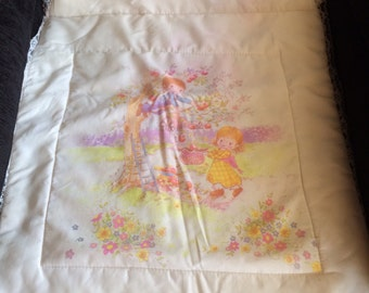 Really cute Vintage Moses Basket Baby Quilt, Pram Quilt with Big Eye Biy & Girl Print