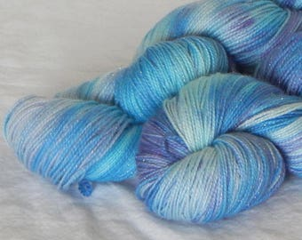 Frost Flowers on Mad Sock Sparkle 75/20/5 SW merino nylon and stellina fingering yarn