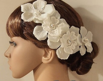 SALE Bridal Head piece, Bridal Hair Comb, Wedding Hair Comb, bridal Fascinator, Bridal Hair Clip, Wedding Fascinator, Ivory lace flo