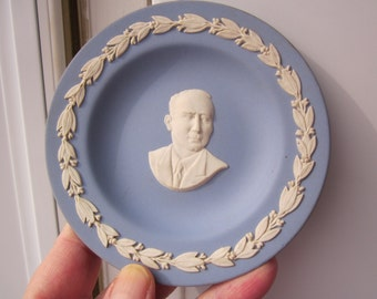 Benno F. Strauss (1873-1944)- blue and white WEDGWOOD Memmorable collectible plate!