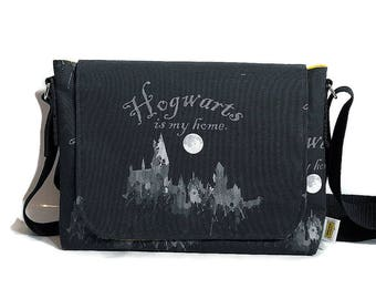 Harry Potter Gift - Hogwarts fabric- Messenger Bag  - Crossbody Bag -  Womens messenger bag  - Girlfriend gift - Harry Potter bag