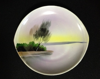 Vintage Gold-Trim Small Oval Ocean Sunset Scene Plate made in Japan    (LDT3)